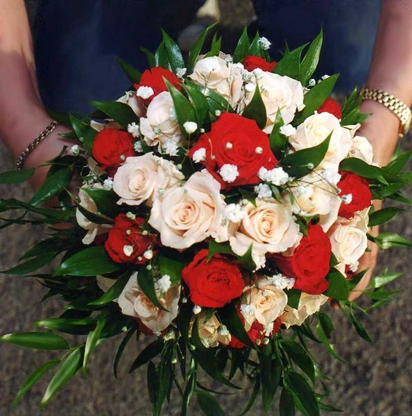 Bouquet Sposa Rose Bianche E Rosse.Bouquet Di Fiori Da Sposa Per Matrimonio Bouquet Di Nozze